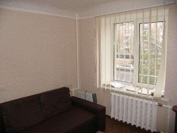 2 комнатная квартира с кап. ремонтом. пр. Б. Хмельницкого 4