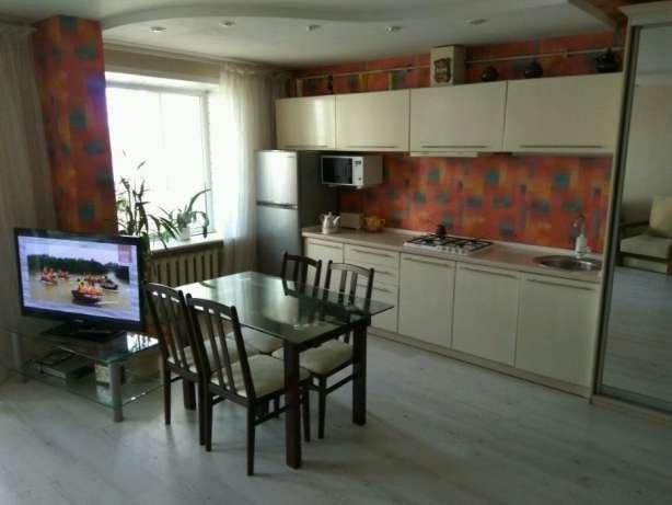 3 комнатная квартира, 2 уровня, низ пр. Кирова (О.Поля)