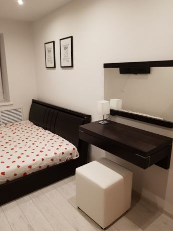 Продам 3 комнатную квартиру с дизайнерским ремонтом